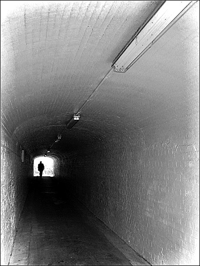 The Tunnel: Deserting: click for previous image