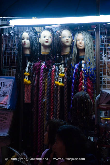 Heads – street beauty salon on Khao Sarn Road