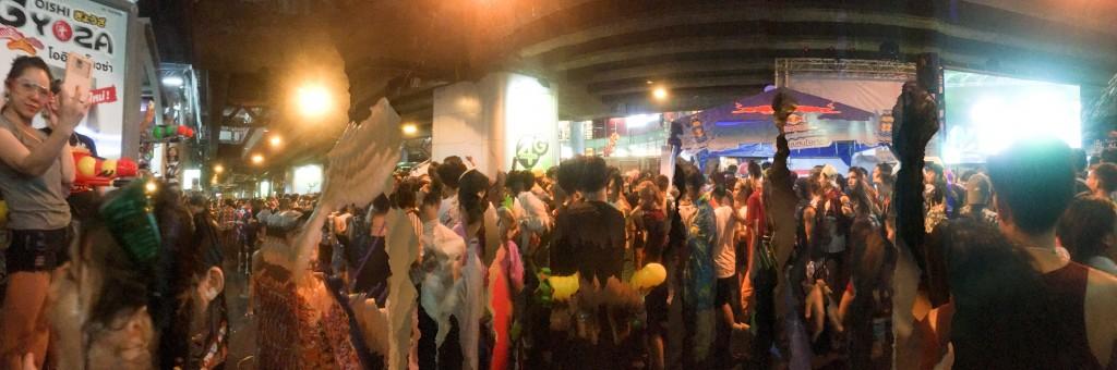 13 April, Silom