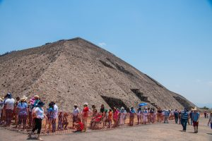 Queue to Pyramid of the Sun